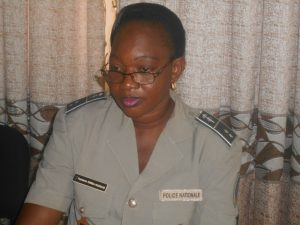 L'officier de police Pulchérie DOMBA, chef de la section accident du commissariat central de Ouagadougou