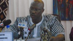 Le ministre du Commerce, de l'industrie et de l'artisanat, Stéphane Wenceslas Sano