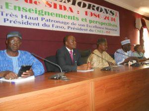 Le présidium à ce point de presse pour la commémoration des 30 ans du sida